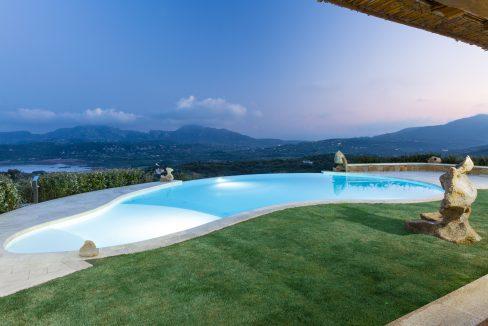 -costa-smeralda-seafront villa