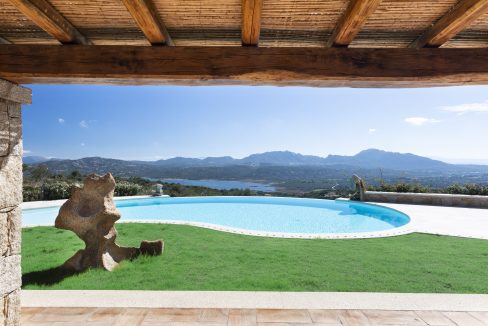 costa-smeralda-villa with pool